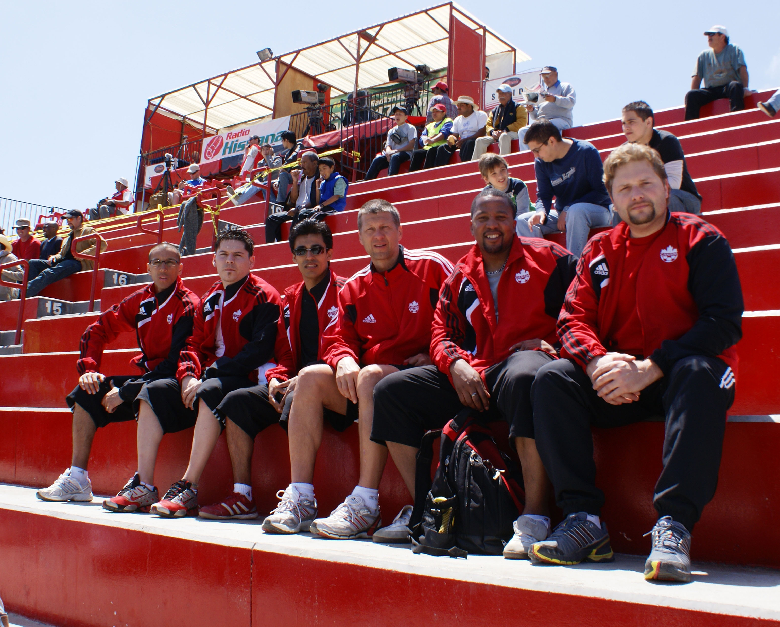20090425_CanadaBeach_team2