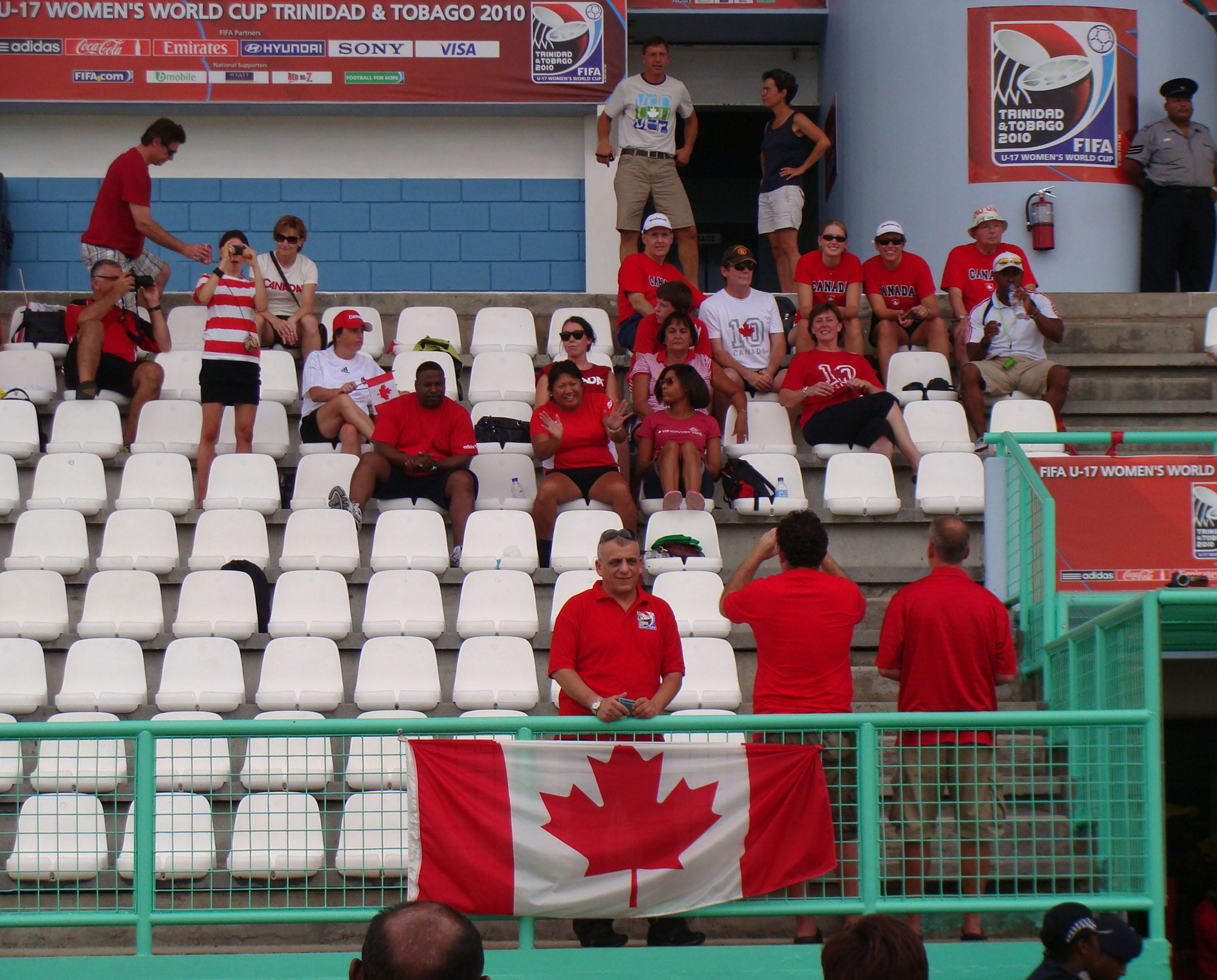 20100909_Canada_Fans