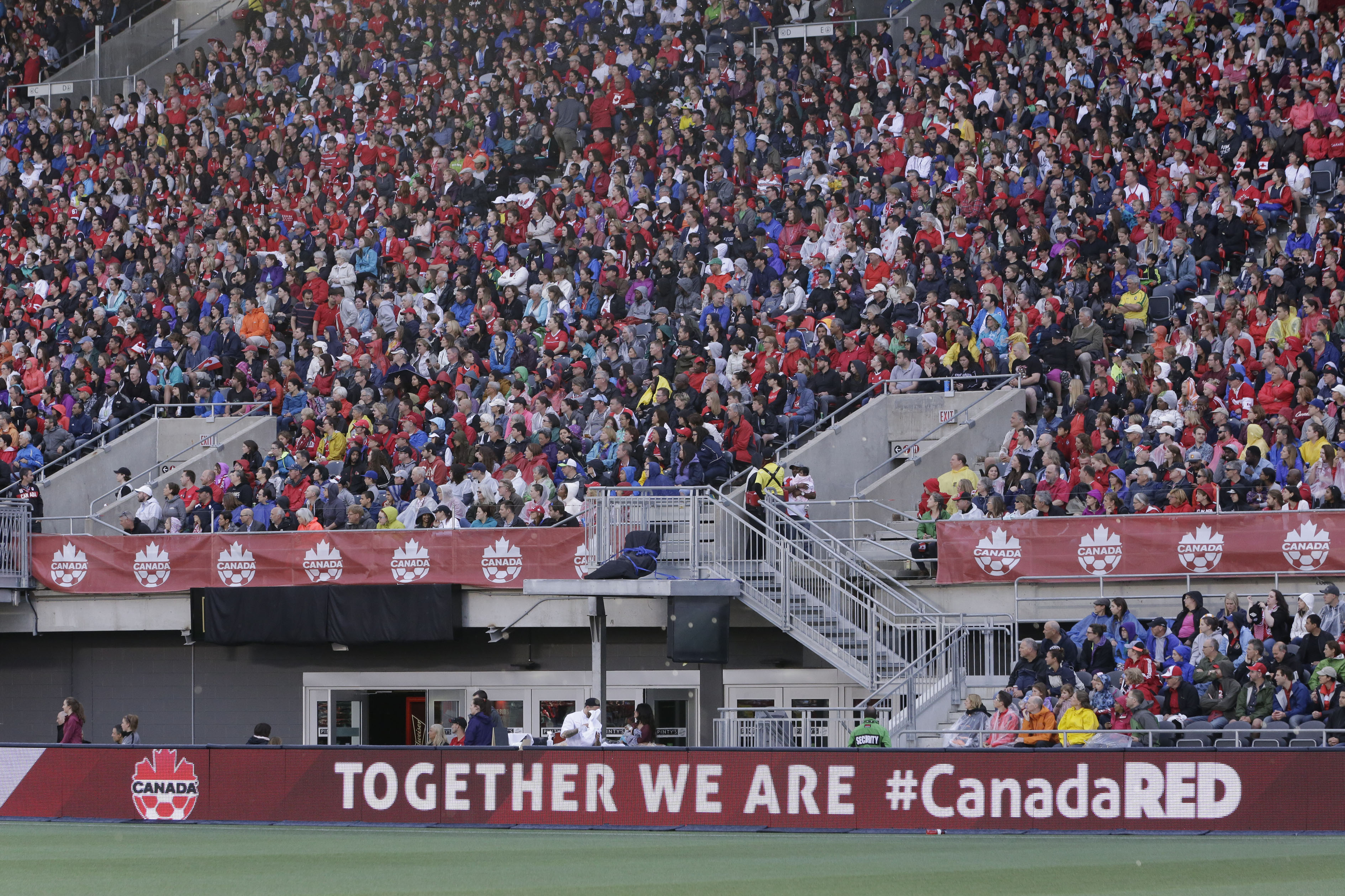 20160607_CANWNT_fans_byMajor132