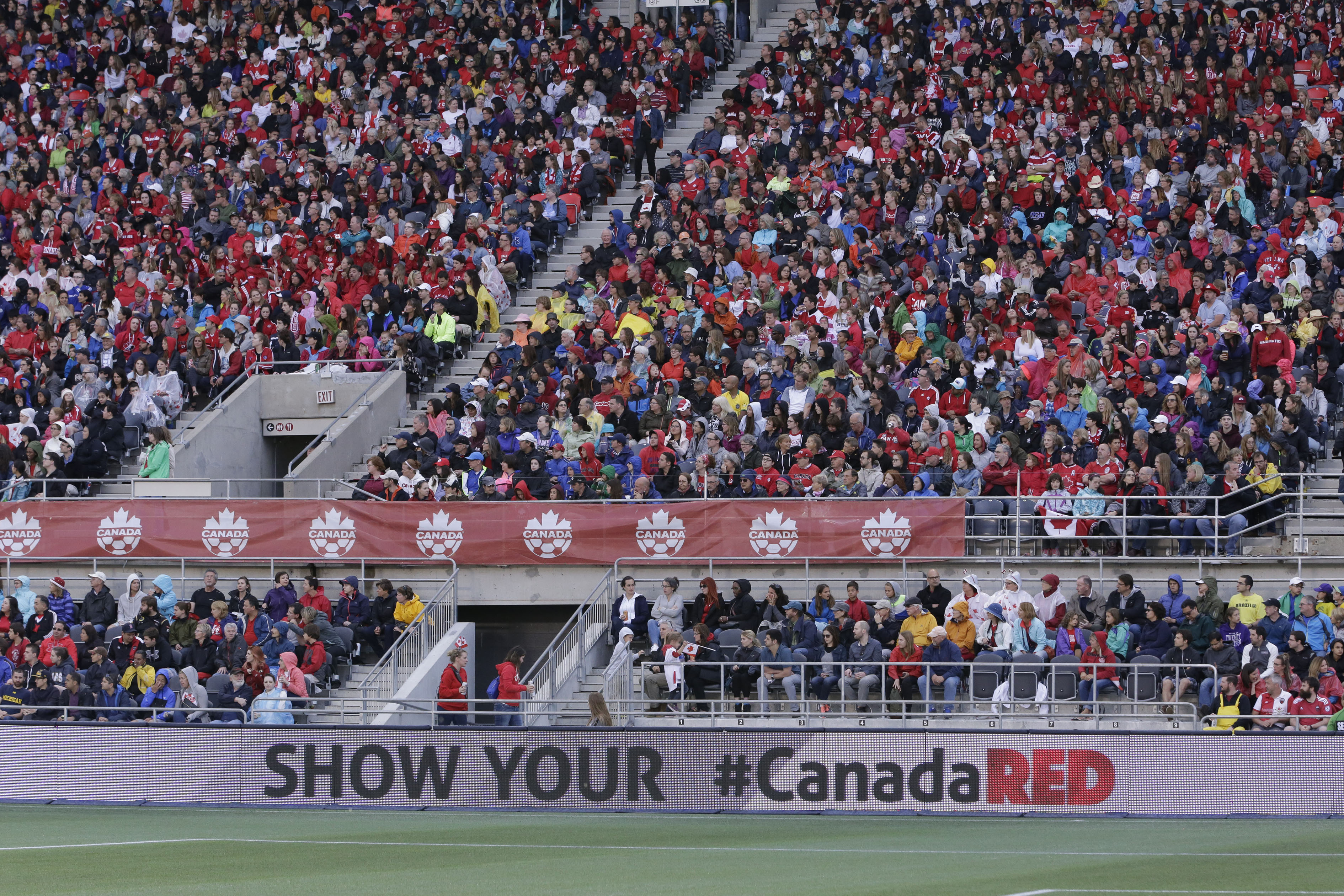 20160607_CANWNT_fans_byMajor133
